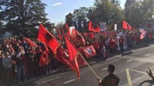 ka-filluar-protesta-para-uefa-s-l-euml-shohet-nj-euml-tjet-euml-r-drone-nga-shqiptar-euml-t-video_hd