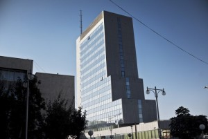 1_-Qeveria-kursen-afër-15-milionë-euro-nga-luksii-700x469